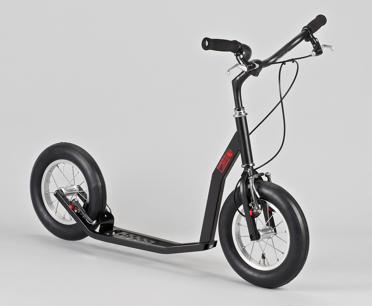 По умолчанию K-bike черный и с поролоновыми грипсами, но тюнинг его значительно преображает.
