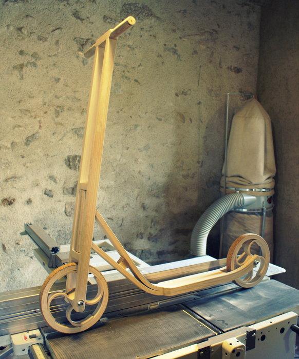 Самокат среды №47. Деревянный самокат La Trottalis