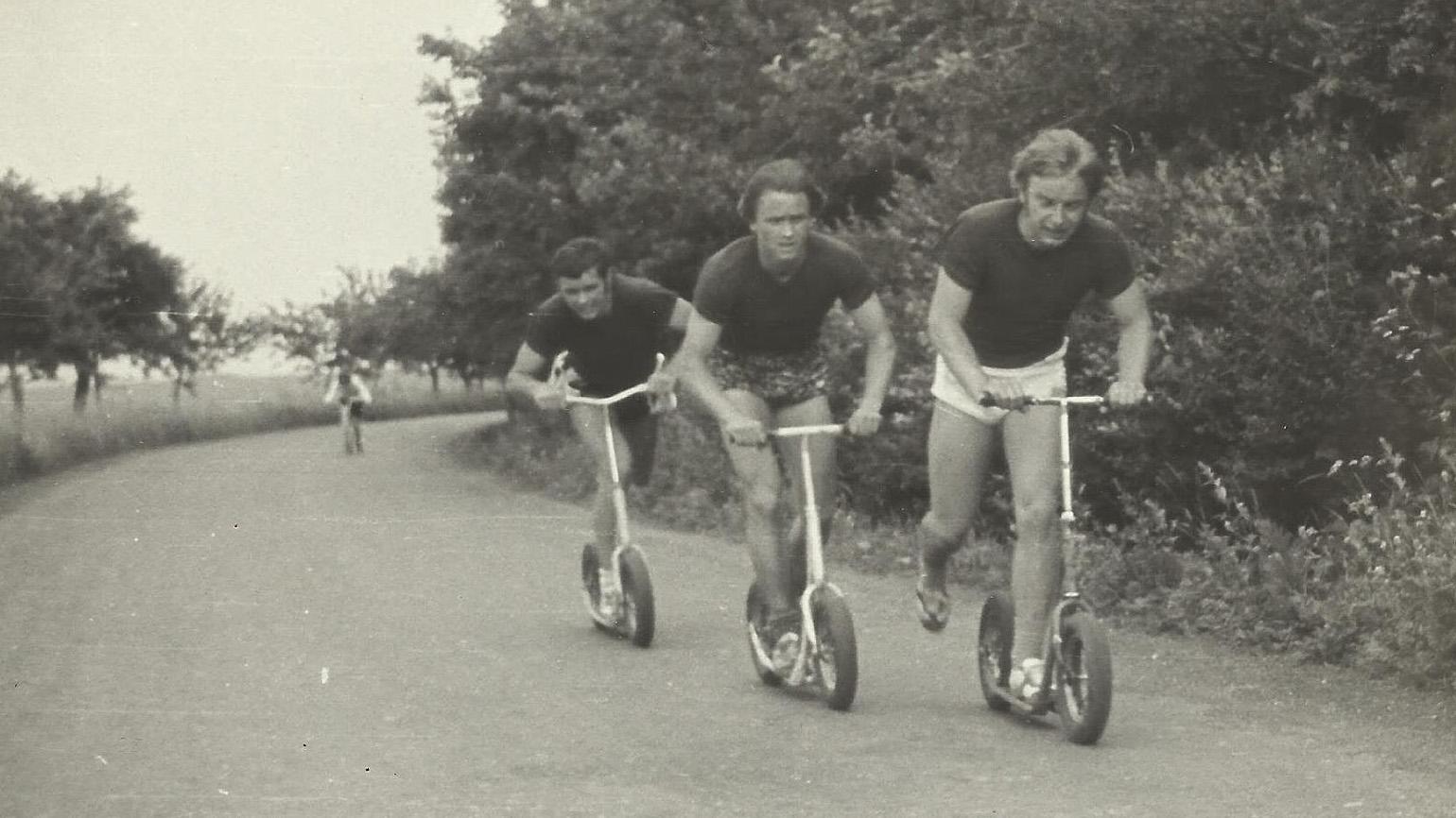 Чешские самокатчики из клуба JAS на соревнования Rollo Liga 70-х годов.