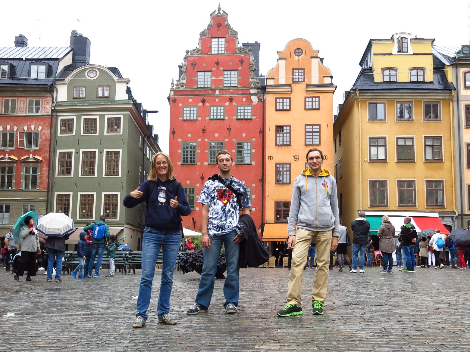 По Стокгольму на самокатах