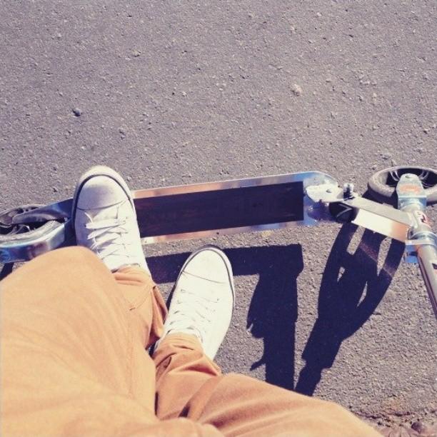 #ноги #feet #самокат #кроссовки #sneakers #scooter #треха #парк #парк300летия #Russia #nice #spring #весна #boy #insta_russia #insta #instapic #instagood #tagsforlikes