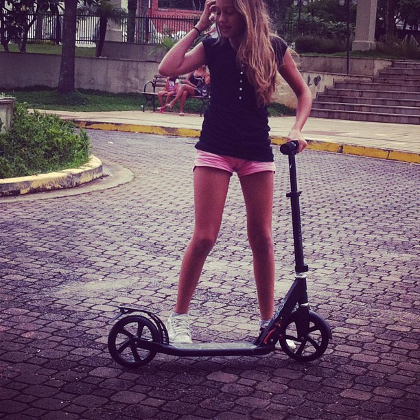#patinete #condominio #fun #pink #like4like #dobletap #followforfollow #happy
