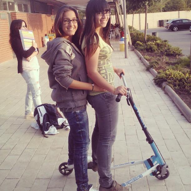 Looobaaa teeeee quiero!! #patinete #divertiendonos #atope #risas #tequiero #guapa #campo #canovelles