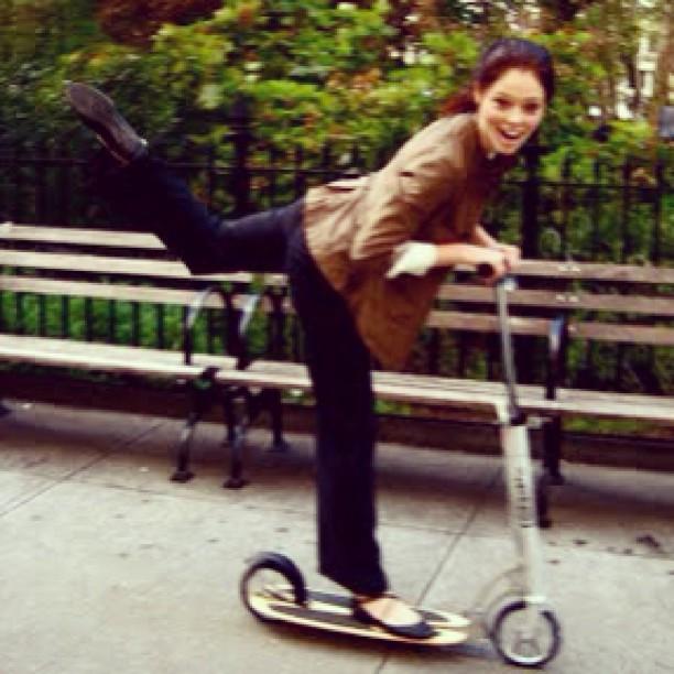 Let's take a ride! #cocorocha #model #fashion #patinete #shesawesome