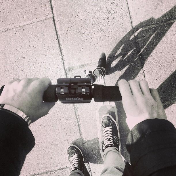 I co, że mam 19 lat #hulajnoga jest #cool co nie? #i #like #and #love #kick # scooter #kickscooter #poznan #black