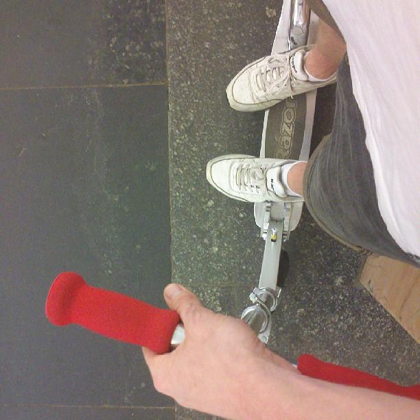 w8n 4. #scooter #kickscooter #razor #legs #kappa #underground #moscow #redgrips