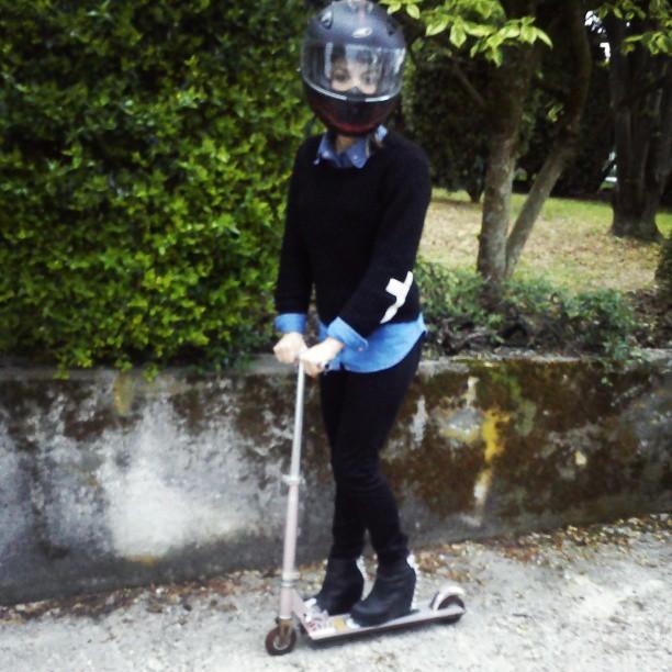 #stupid #monopattino #casco #campbell #love #funny #stupida #pranzi di #famiglia #problemi #disagio