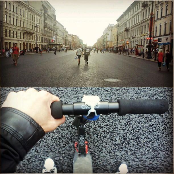 На самокате на Невском.  #питер #покатушки #самокат #тепло #хорошо #невский