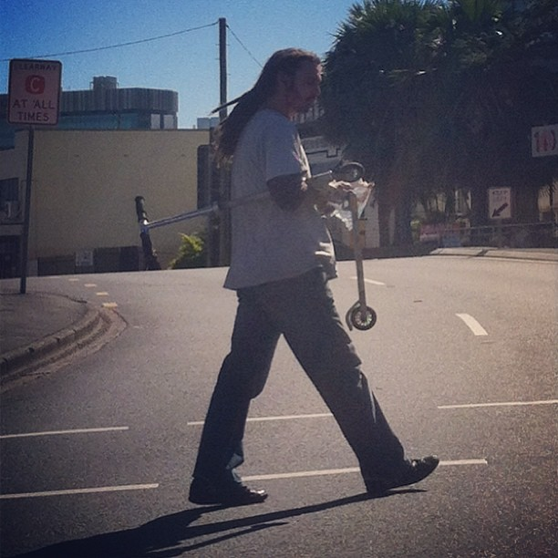 Saw John butler in Brisbane. Keepin the world green #razorscooter  #jbt #dreadlockrasta