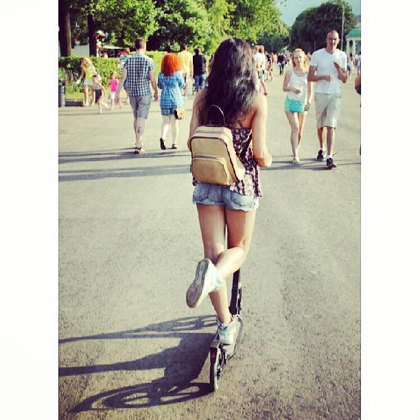 #самокат #москва #moscow #russia #russian #russiangirl #паркгорького #девушка #summer #лето #happy #Me #i #pretty #girl #cute #beauty #sweet #doll #я