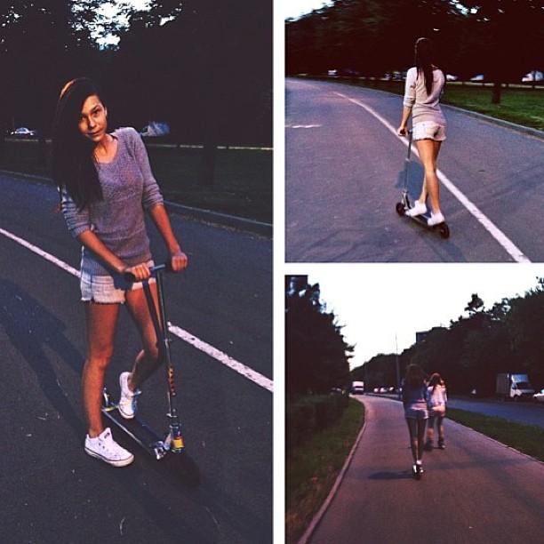 Прогулка #girl #girls #отлично #покатались #вечер #самокат #дорога #love