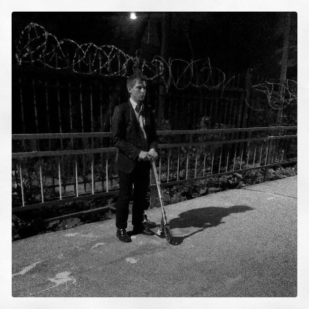 #самокат #человек #лето #бывает #железнодорожная_вода  #петровско_разумовская  #платформа