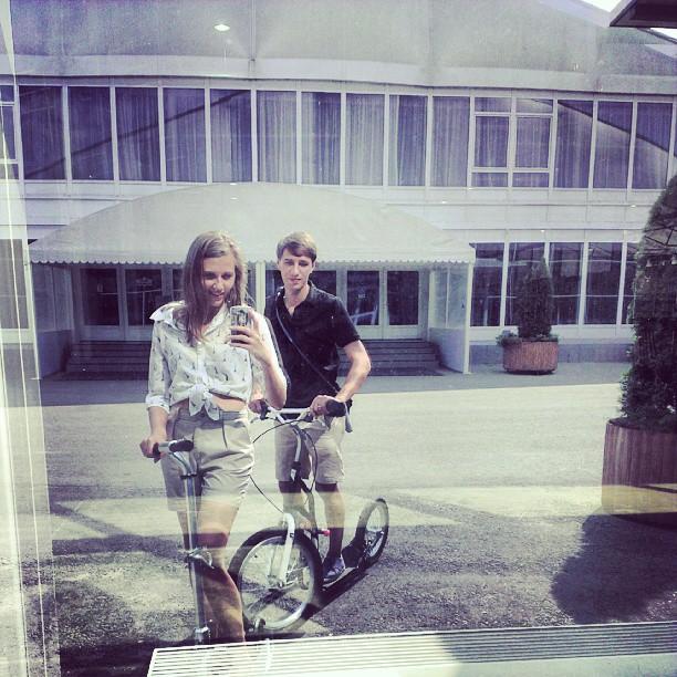 А мы на самокатах!:) #москва #сокольники #лето #letskick #letskickmoscow