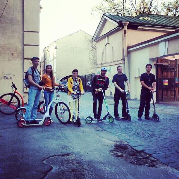 Традиционные уже #покатушки с традиционным стартом на улице Репина))