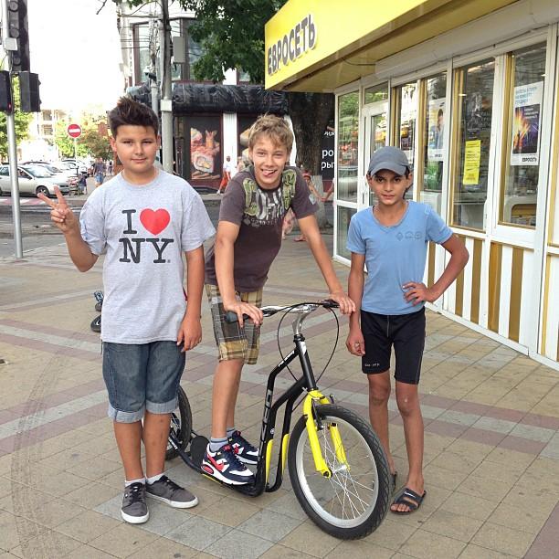 Все любят #самокат, потому что самокат любит всех. #велопрогулки #краснодар #streetsurfer