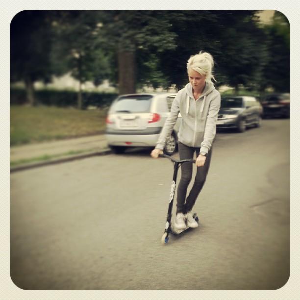 Ubbe på mit nye #district #v4 #scooter #street #skate #fun #play