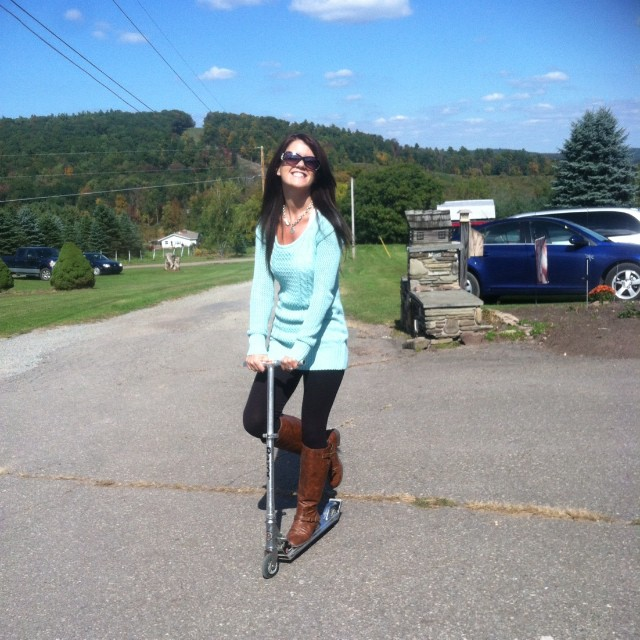 Kickin it on the razor #oldschool #razorscooter #ridindirty