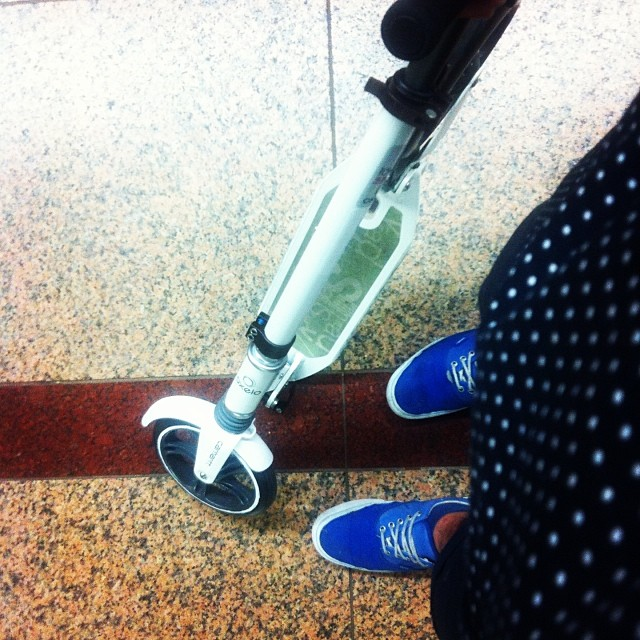Commuting with me #oxelo on the train #letskick #kickscooter #igsg #sg #carharttwipsg #carharttwip #vanssyndicate #singapore