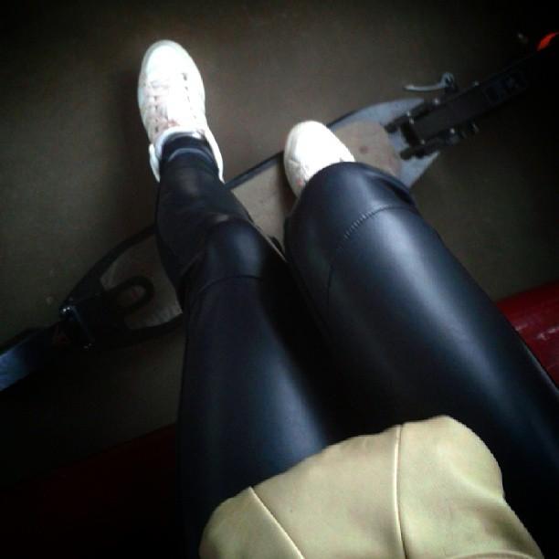 #самокат #едунаработу #я #доброеутро #ноги #ножки #lags #like #life #look #nice