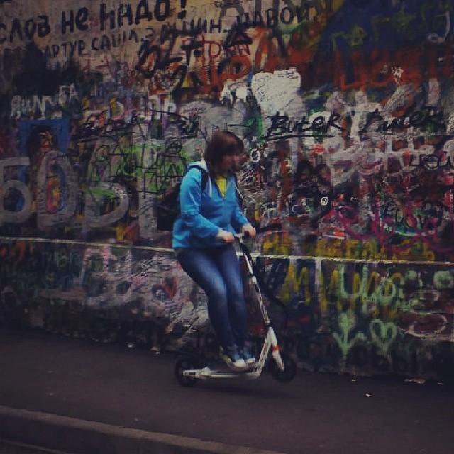 #в #прыжке #тип #йоу #ахаха #самокат #onelove #walk #autumn #I #me #Арбат #я