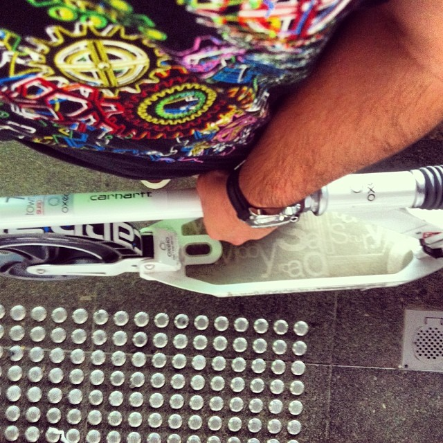 Scoot scoot :) #oxelo #scooter #hendricvishkof #pam000 #panarai #carharttwip #carharttwipsg #letskick #letskicksg #igsg #singapore #sg #streetshot #streetshots