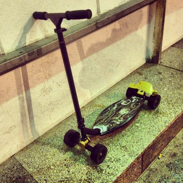 Новая тема пацаны! Скутер для дрифта и карвинга!!#skillcheck #scooter #kickscooter #carving #dfift
