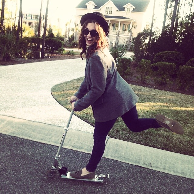 Scooter club in #thesuburbs #razorscooter #turkeyday #fun #holiday #innocent #vroom #charlestonhotties @stephaniefcukingstein