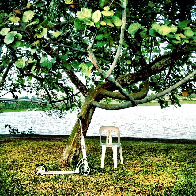 #xootr #kallangriver #exercise #sg #singapore some kind soul left a chair for me to rest...hahaha