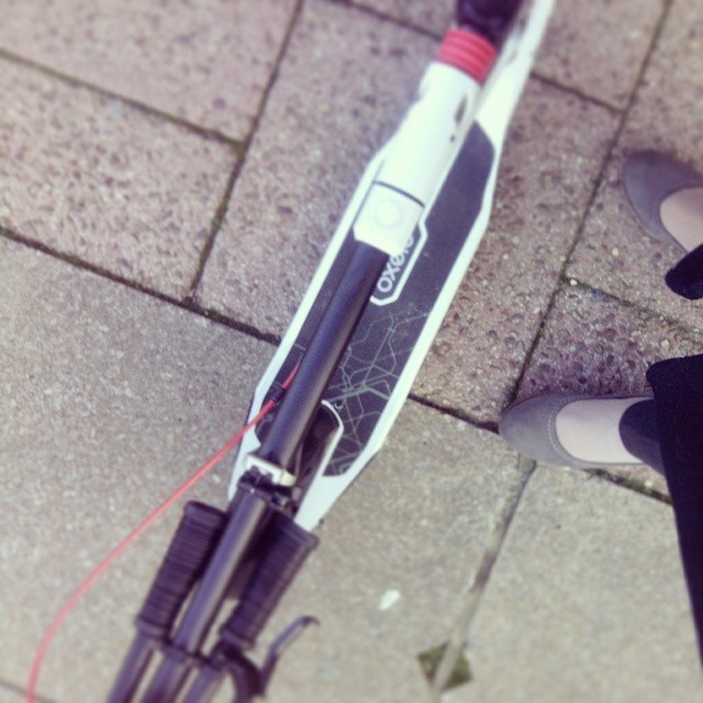 Let`s go! #totheoffice #scooter #oxelo #london #exited #morningfitness #scooter #monopattino