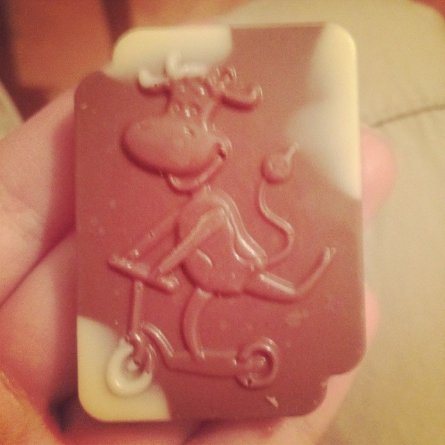 Гыгы :) #корова #милка #самокат #letskick)) #milka #chocolate #шоколадка