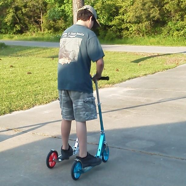 Double scooter rider! #razor#razorscooter#fun  #doublemint#doubletake