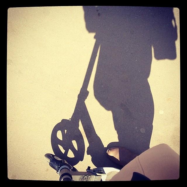 Надо быть чуть быстрее тени #самокат #активныйотдых