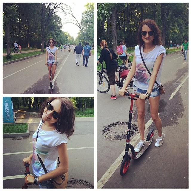 Очень активная суббота)#отдых#москва#солнышко#парк#настроение#суббота#самокат#девушка#лес#moscow#girl#happy#улыбайтесь#спорт#