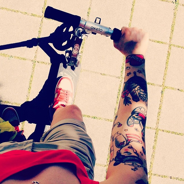 #kickscooter #monopattino #pushscooter #sun #spring #road#lesbian#relax #fitness #sport#italy#singing#music